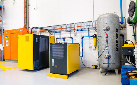 Operating a reliable compressed air system is essential to the manufacturing process – here the recently upgraded Kaeser compressed air system.